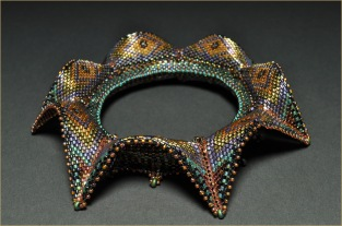 BeadedBangle_Geometric_MoroccanDelight_OppositeSide