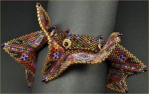 Azteca_GeometricBeadedBangle_Closeup_BarbaraBriggs