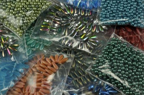 Beads_Dagger_GlassPearls