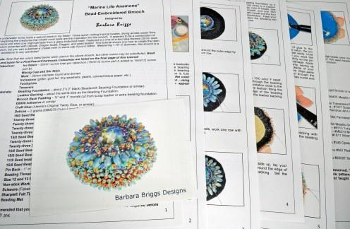 marine-life-anemone-bead-embroidered-brooch-tutorial